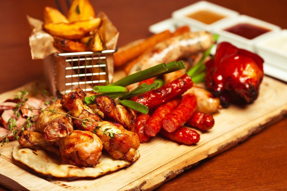 Все блюда меню и напитки в сети ресторанов «БирХаус» со скидкой до 50% фото 1