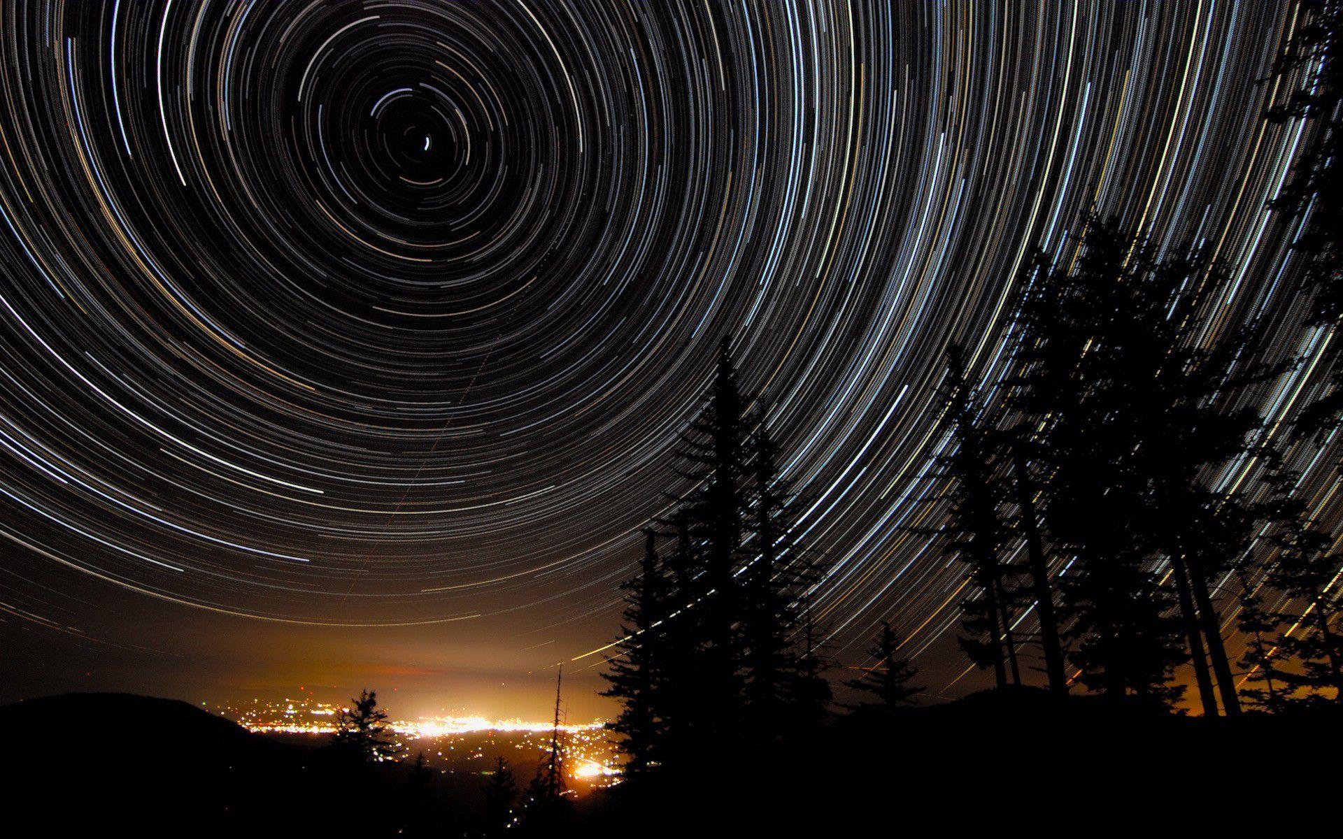 Фотография ночью движущиеся