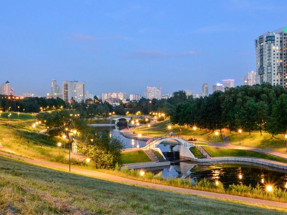 Еженедельные забеги в парке Олимпийской деревни фото 2