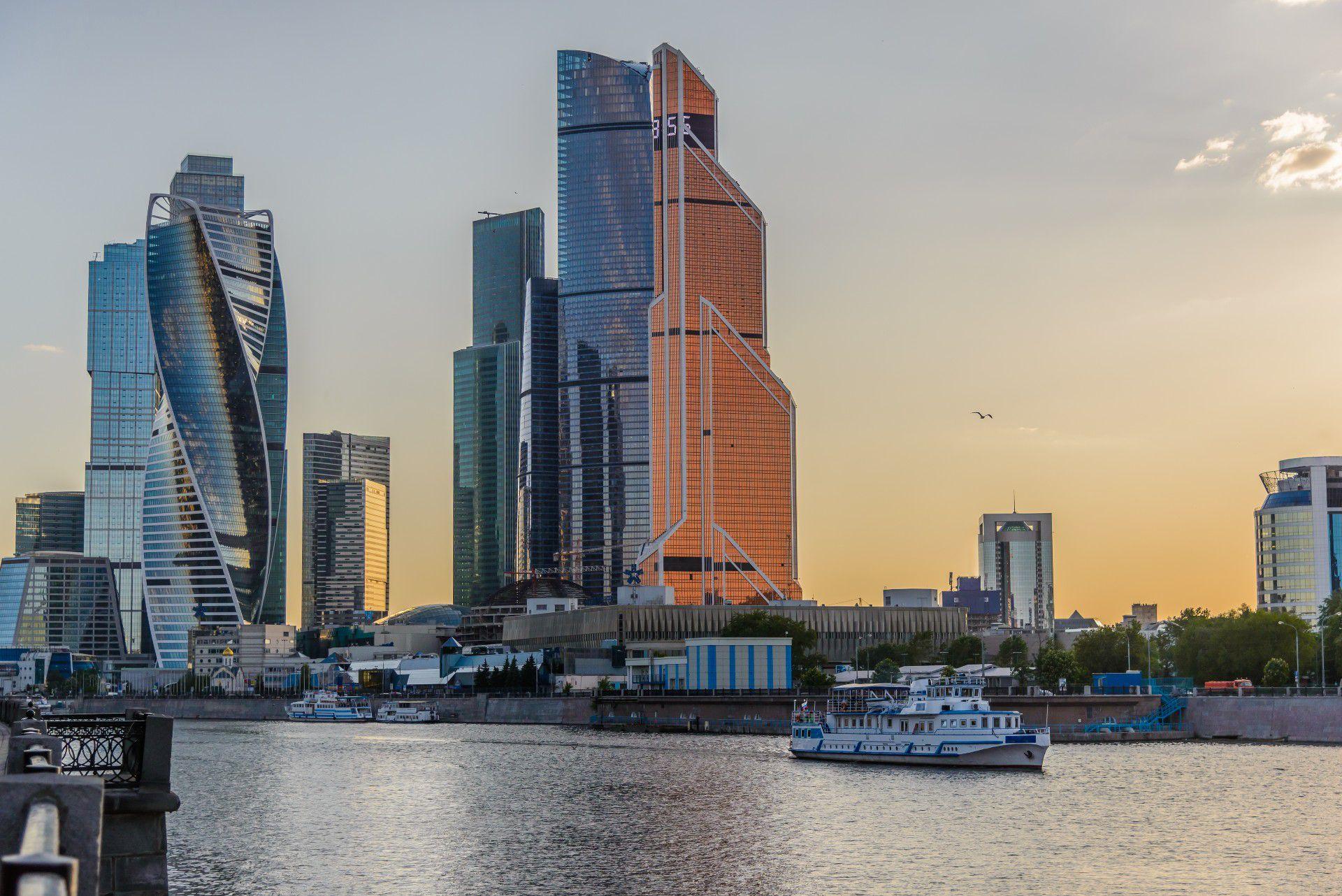 Прогулка на теплоходе от «Москва-Сити» до парка «Зарядье» фото 1