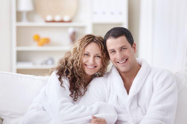 фото семейной пары в ванной