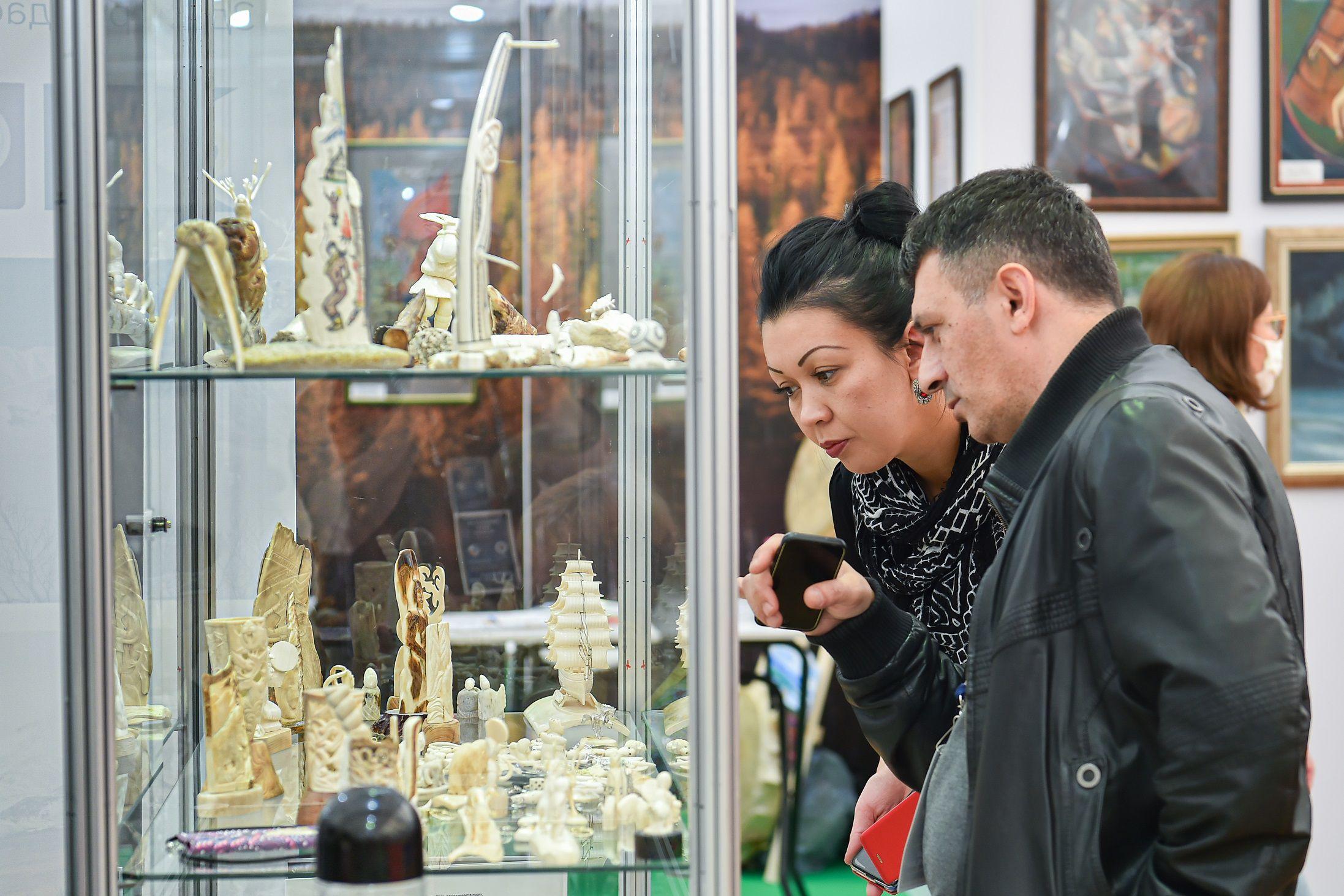 Выставка-ярмарка «Сокровища Севера. Мастера и художники России 2021» фото 6