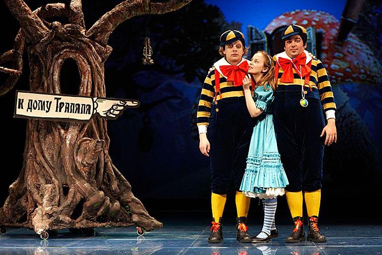 Спектакль «Алиса в Зазеркалье» в Театре «Мастерская П. Н. Фоменко» фото 7