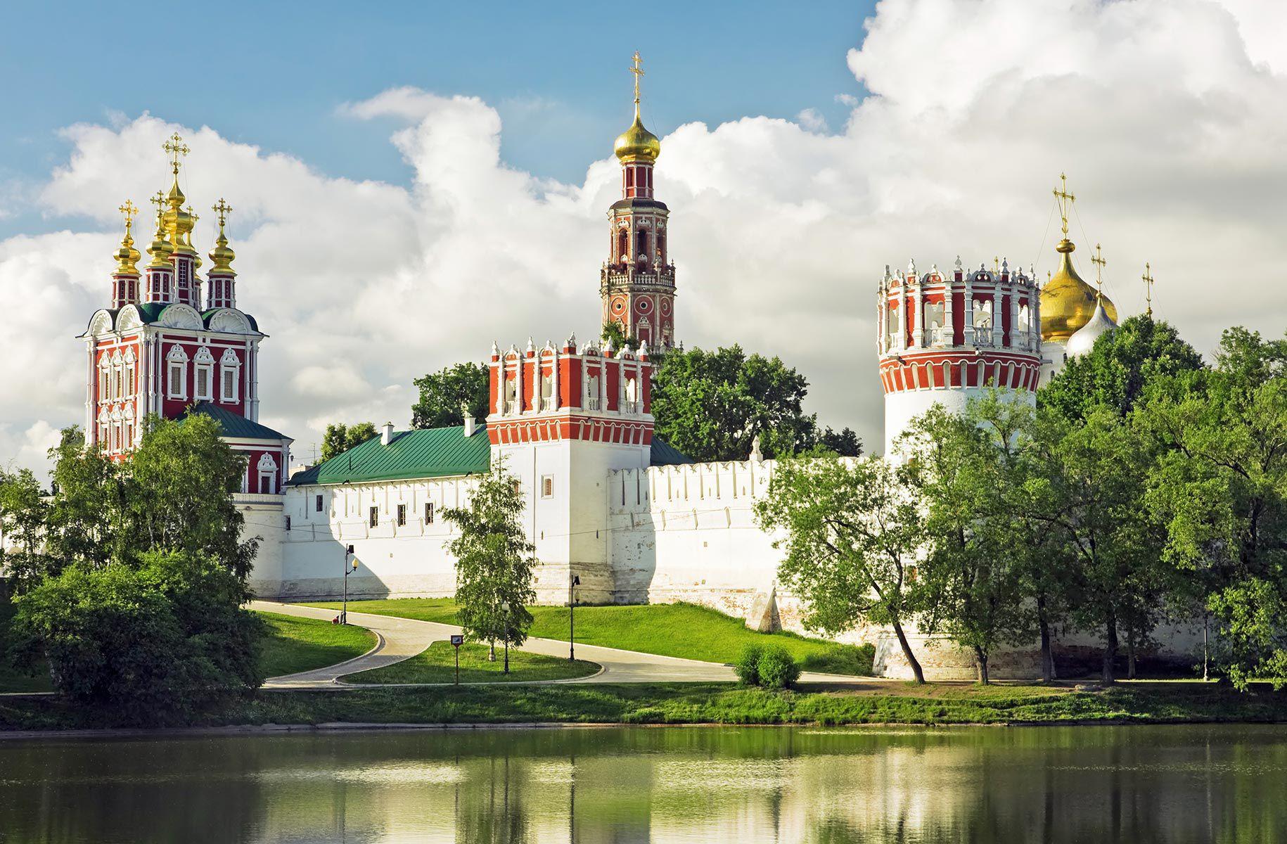 Монастыри москвы фото с названиями
