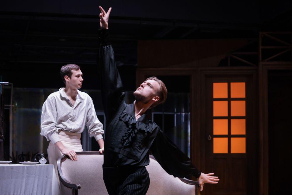 Спектакль «(Не)смешно» в Театре Табакова фото 2