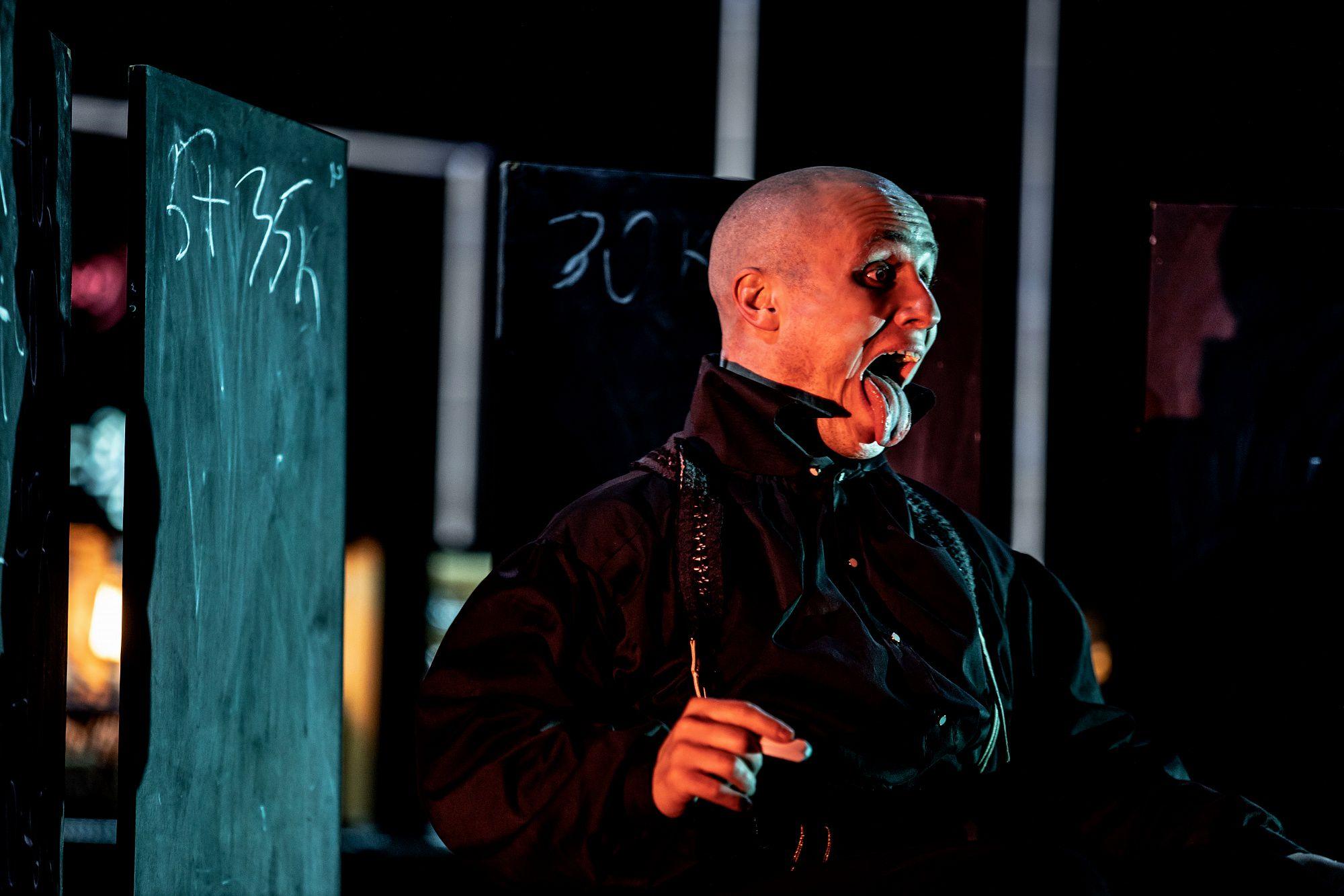 Спектакль «Человек без имени» в «Гоголь-центре» фото 5