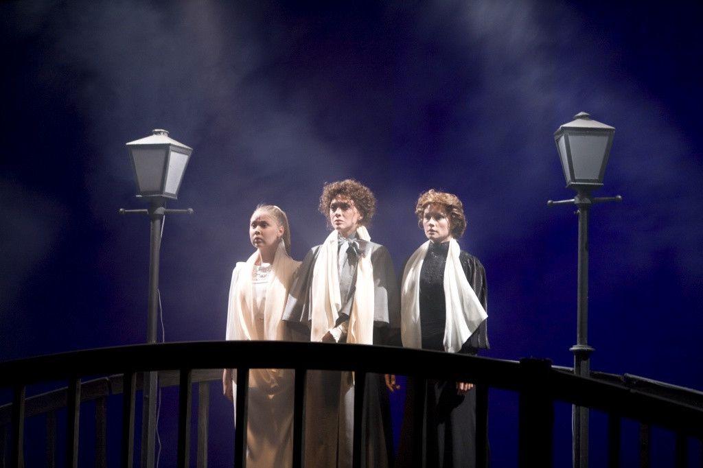 Спектакль «Три сестры» в Театре «Современник» фото 3