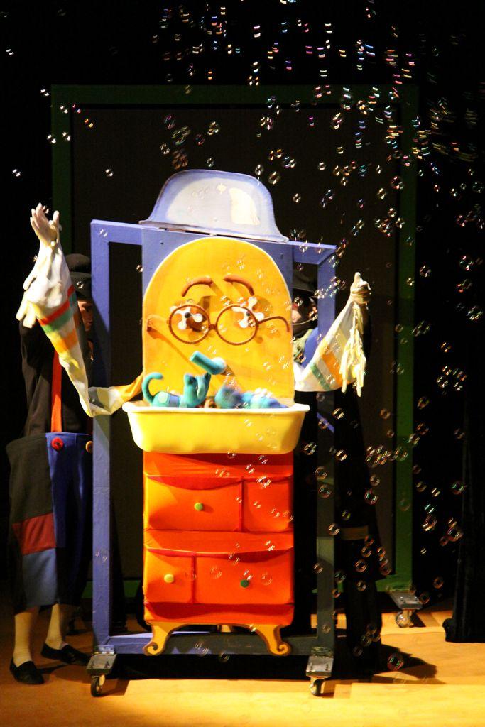 Спектакль «Знаменитый Мойдодыр» в Московском театре кукол на Спартаковской фото 2