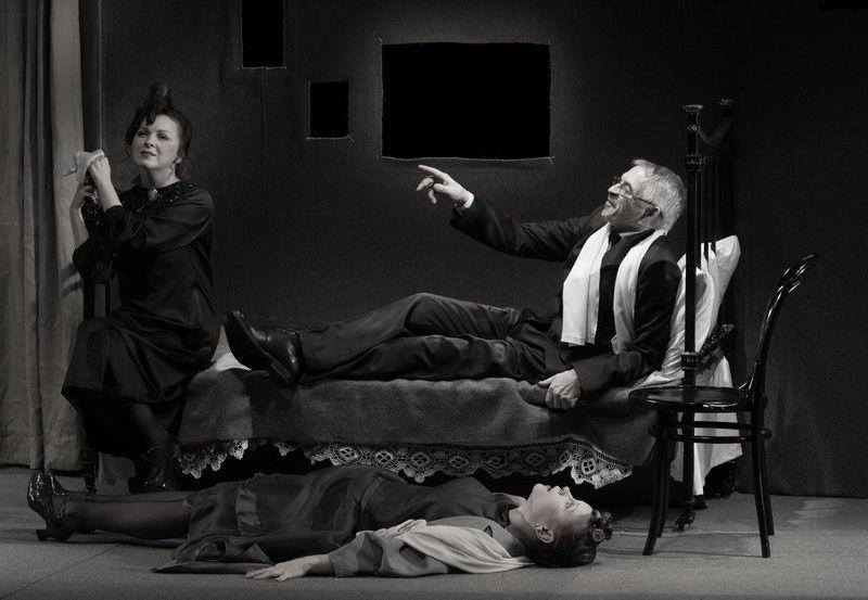 Спектакль «Записки покойника» в Студии театрального искусства фото 7