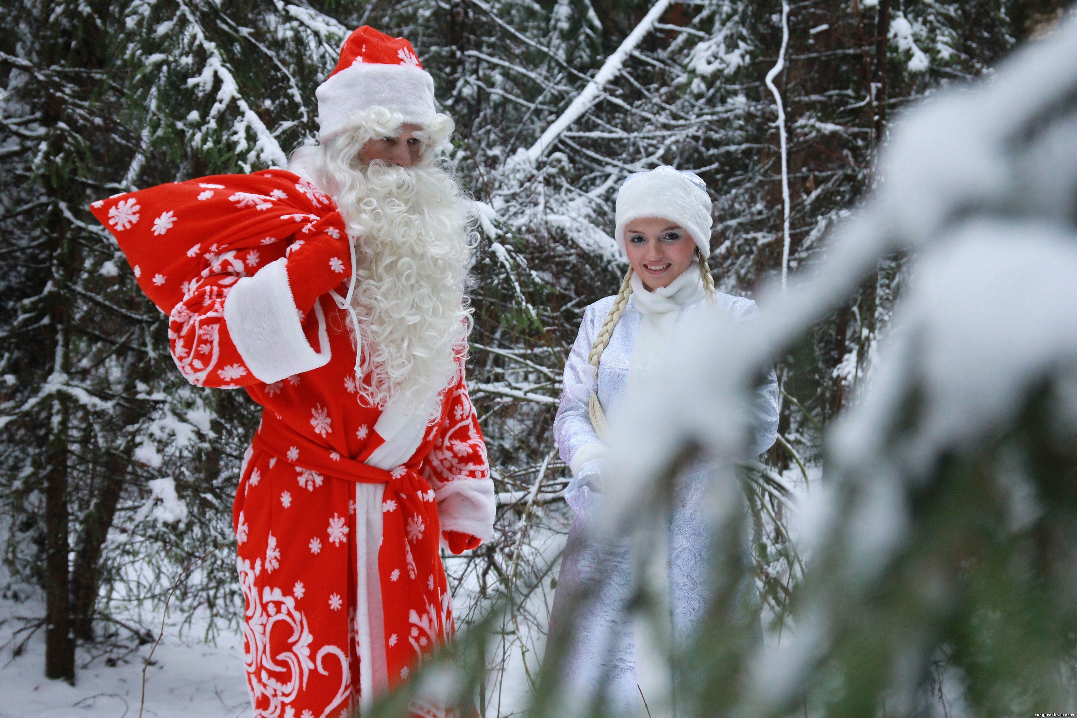 Санта и три его сисястые снегурочки 28 фотография