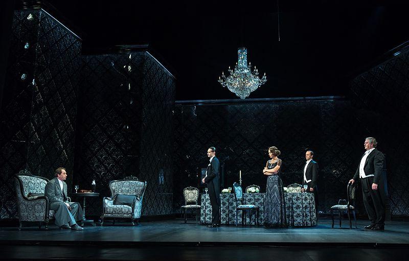 Спектакль «Инспектор пришёл» в Театре имени А. С. Пушкина фото 3