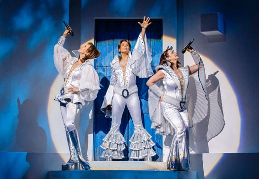 Download Dancing Queen - Mamma Mia MP3