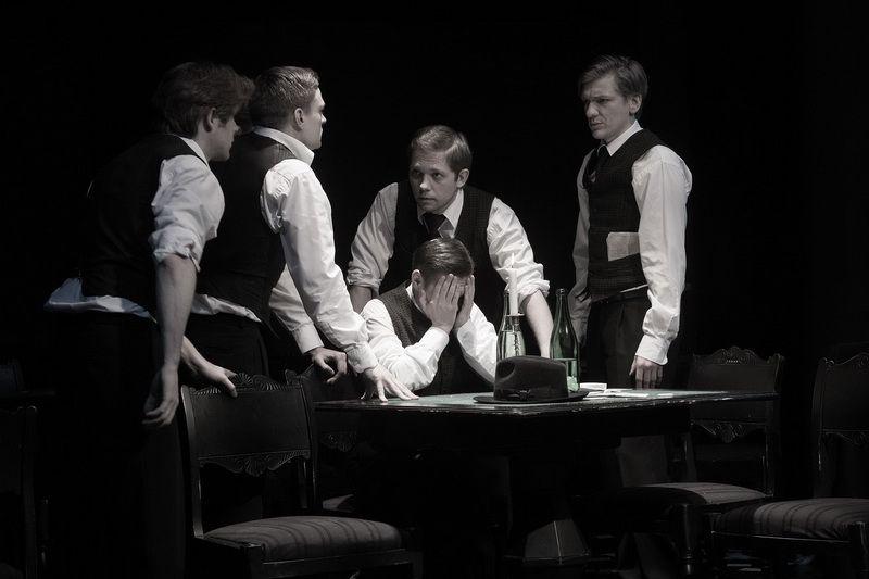 Спектакль «Игроки» по пьесе Н. В. Гоголя в Студии театрального искусства фото 8