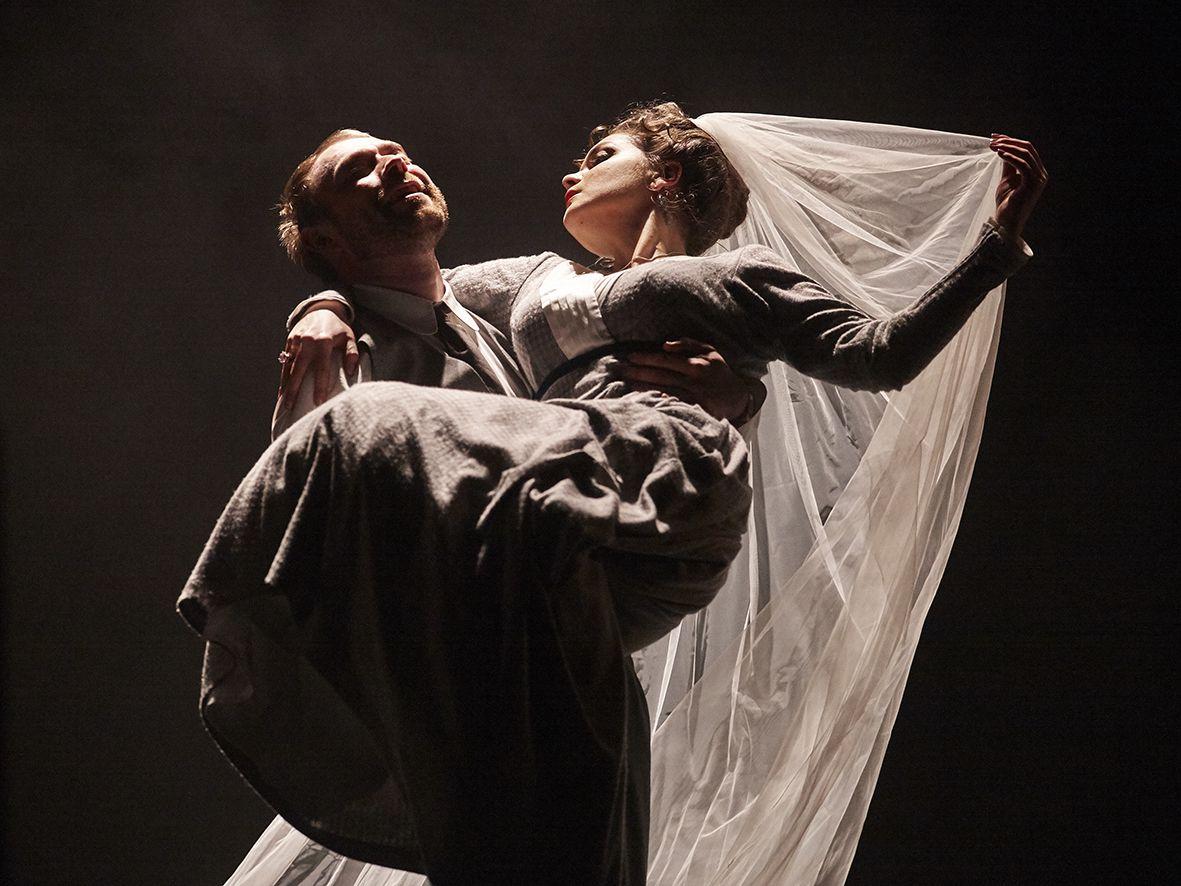 Спектакль «Бешеные деньги» в Театре им. Маяковского фото 7
