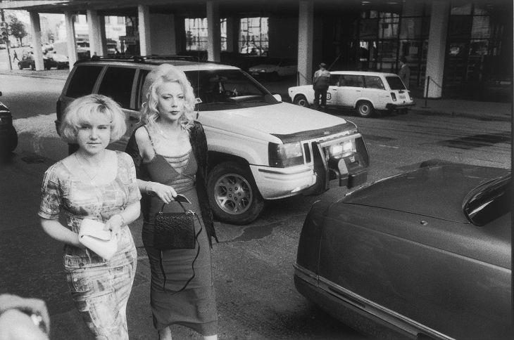 Выставка «Наши 1990-е. Время перемен»