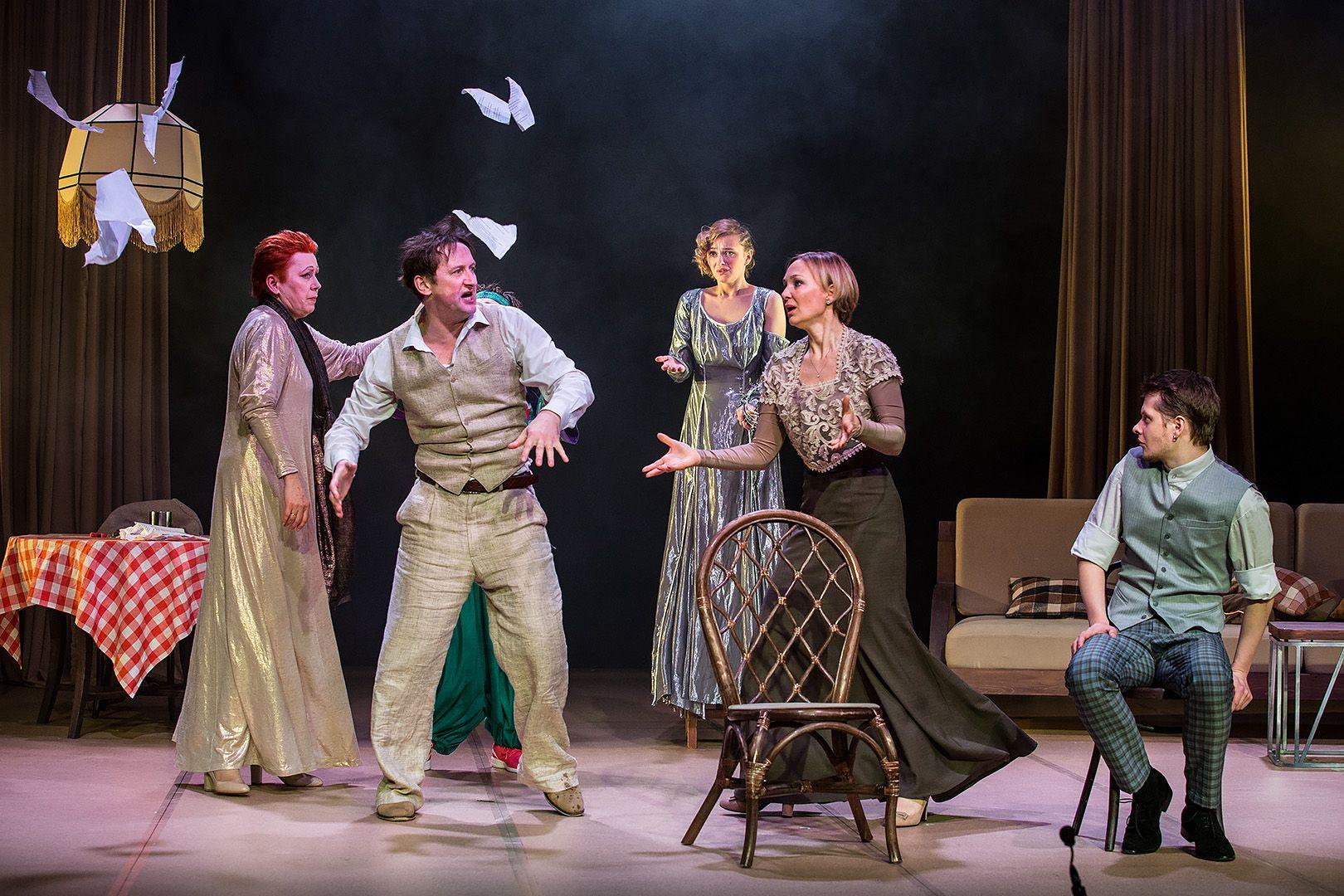 Спектакль «Ваня и Соня и Маша и Гвоздь» в театре «Сатирикон» фото 9