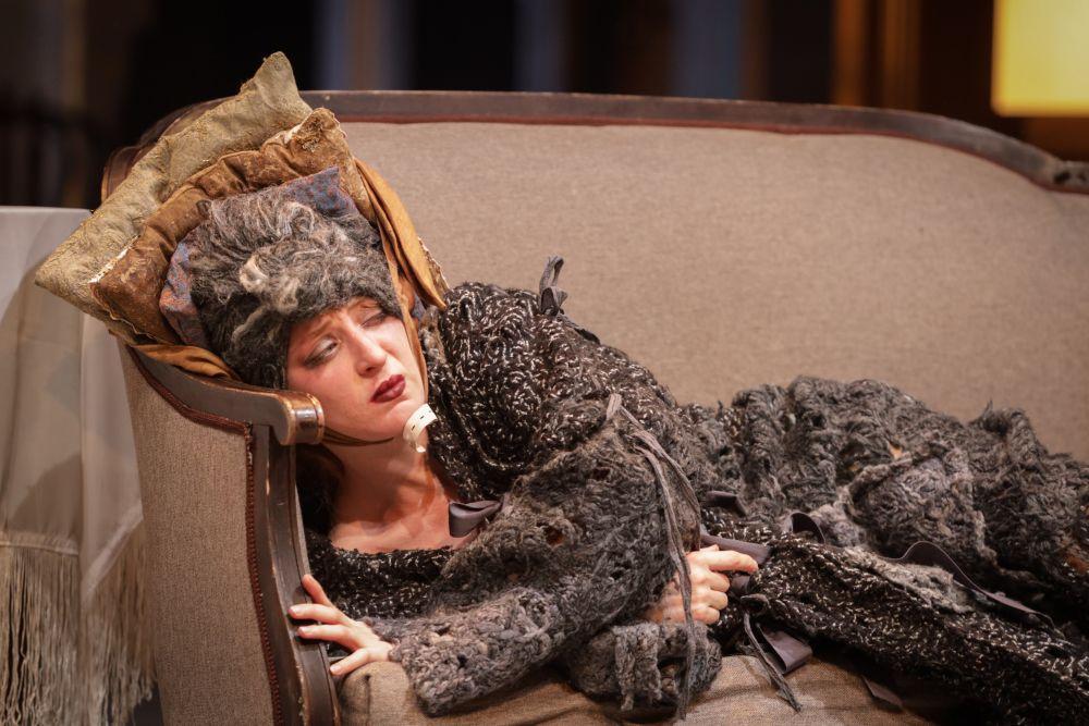 Спектакль «(Не)смешно» в Театре Табакова фото 4