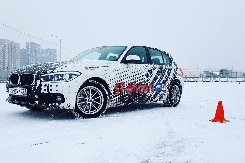 Дрифт на автомобиле BMW118i фото 1