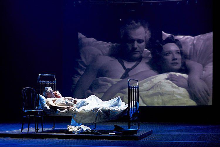Спектакль «Враги. История любви» в Театре «Современник» фото 7