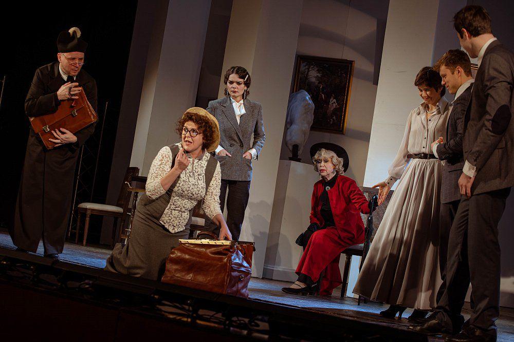 Спектакль «Как важно быть серьёзным» в Театре имени Маяковского фото 4