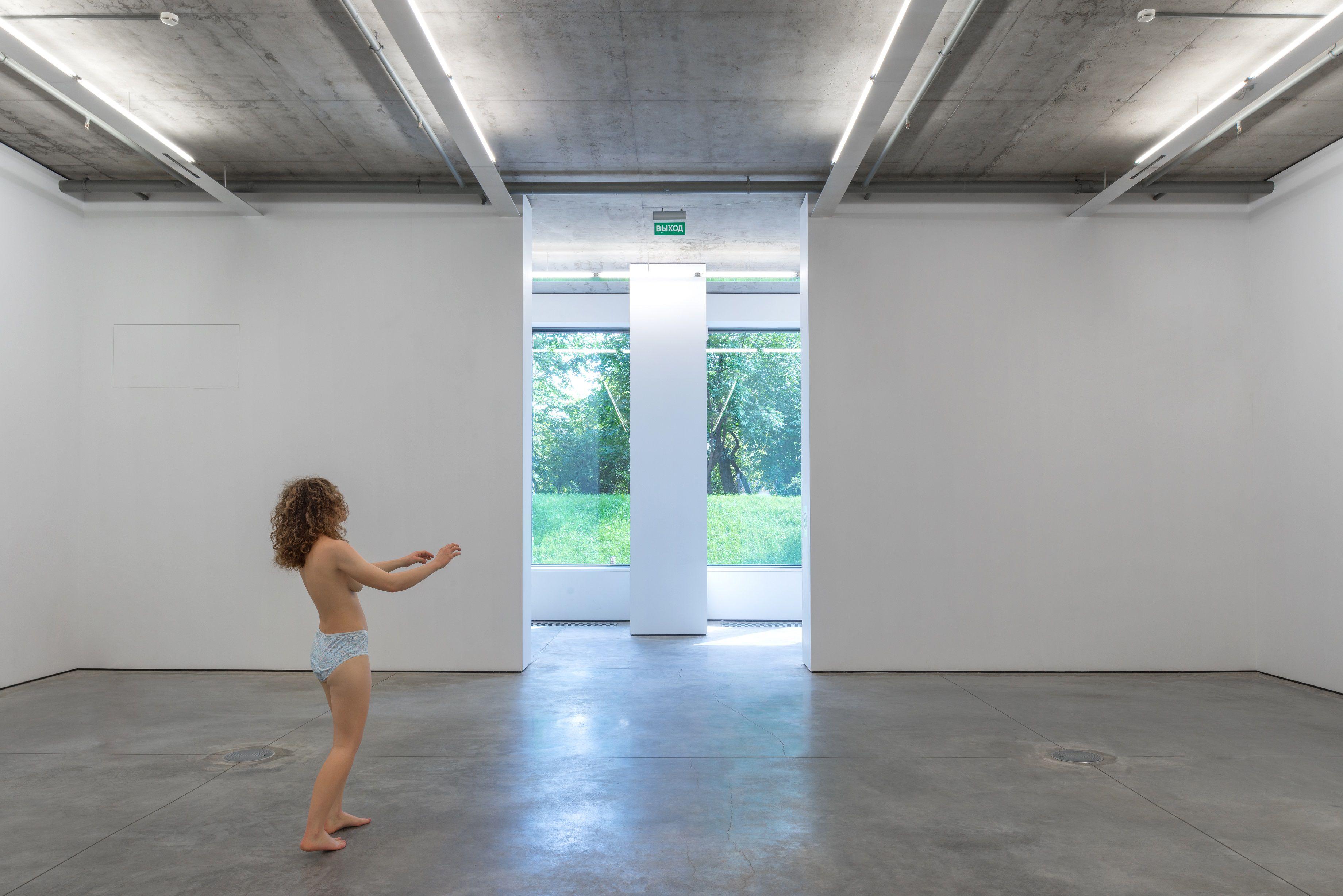 Выставка Naturally Naked фото 12