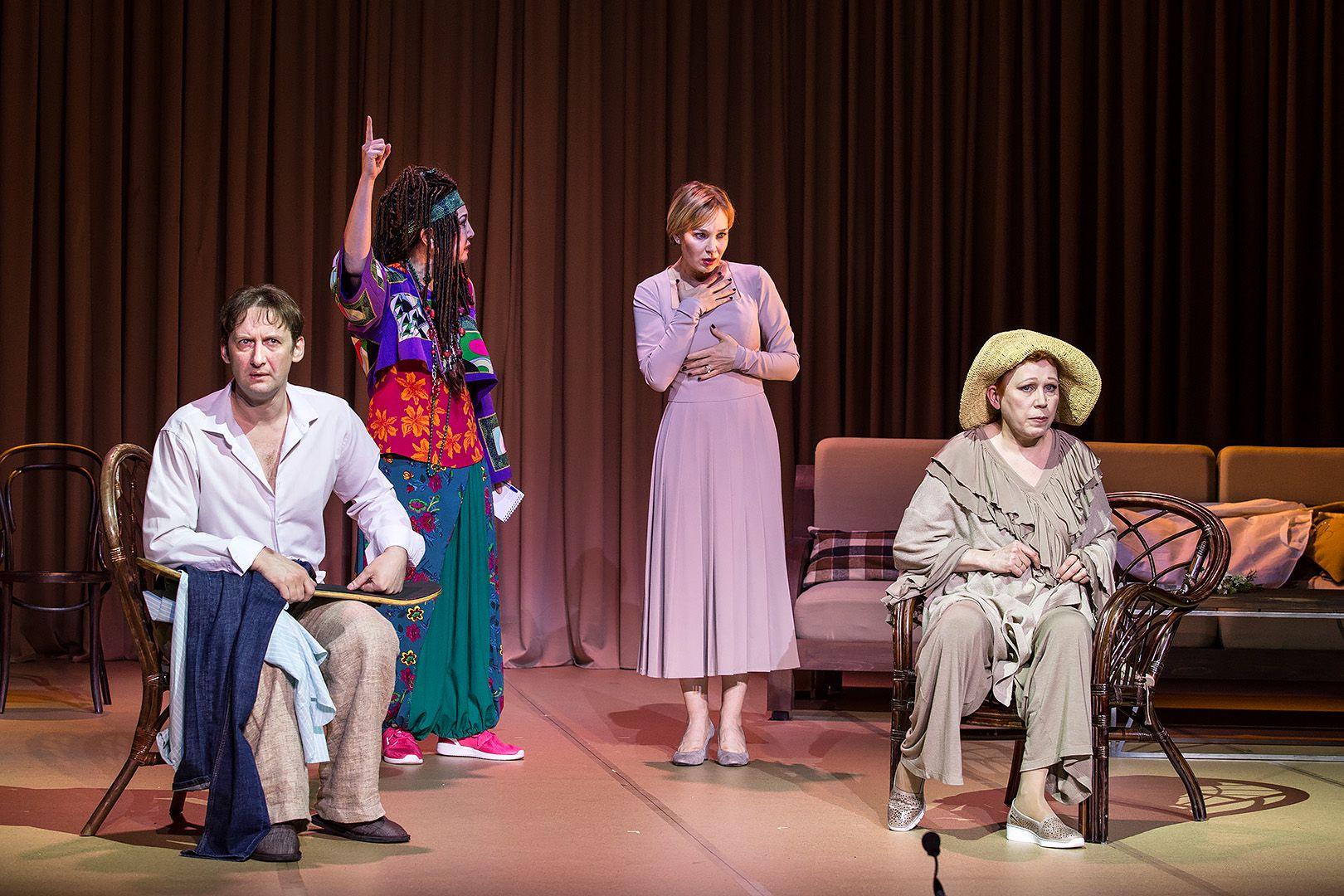 Спектакль «Ваня и Соня и Маша и Гвоздь» в театре «Сатирикон» фото 4