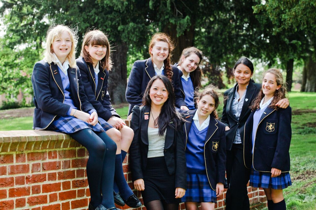 Movie girls school — img 11