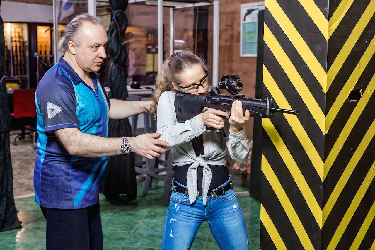 Занятия по стрельбе из пистолета в пневматическом тире клуба «Лабиринт» фото 10