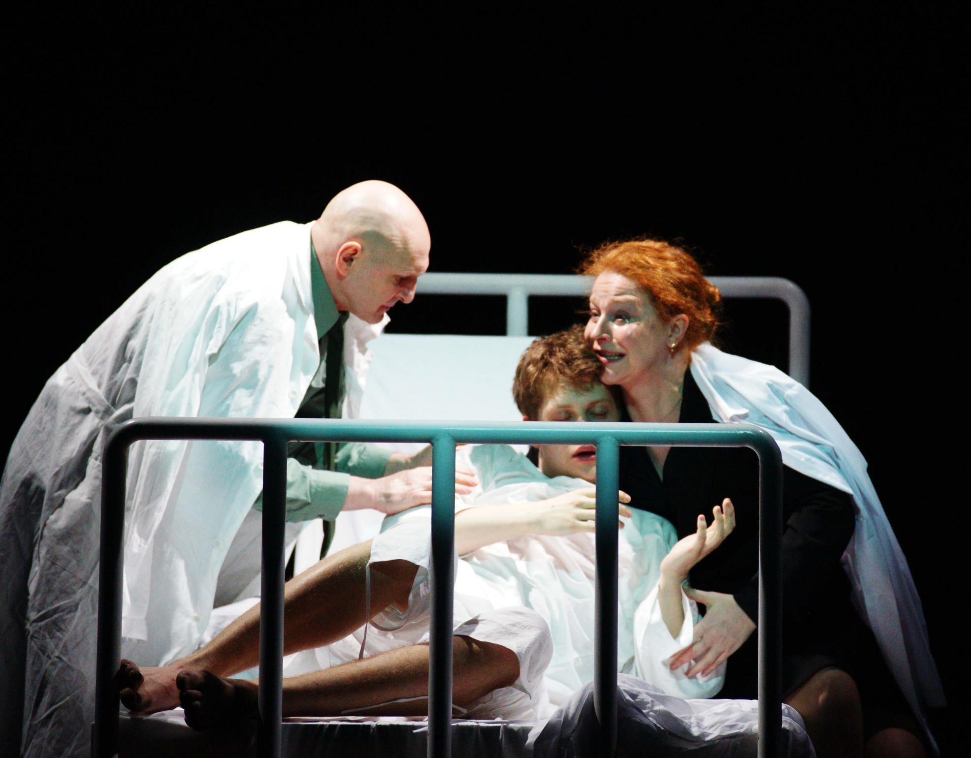 Спектакль «Все оттенки голубого» в Театре «Сатирикон» фото 4