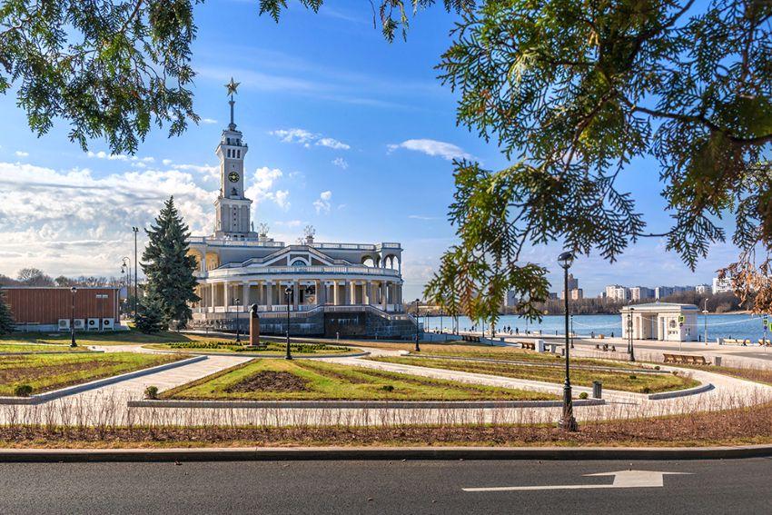 Экскурсия «Северный речной вокзал. Дворец и порт пяти морей» фото 1