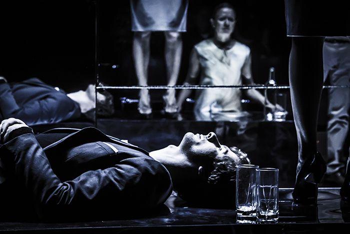 Спектакль «Озеро» в «Гоголь-центре» фото 3