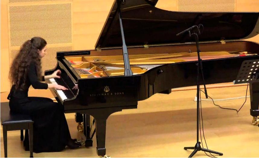 сольный концерт Алисы Духовлиновой (фортепиано)