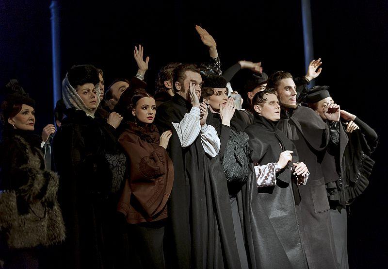 Спектакль «Анна Каренина» в Театре им. Вахтангова фото 3