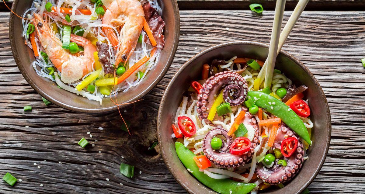 Cкидка до 50% на меню и напитки в ресторане «Лаки Чан» фото 1