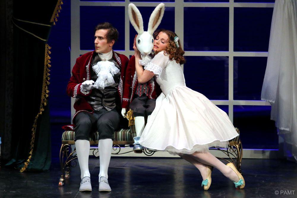 Спектакль «Кролик Эдвард» в РАМТе фото 1