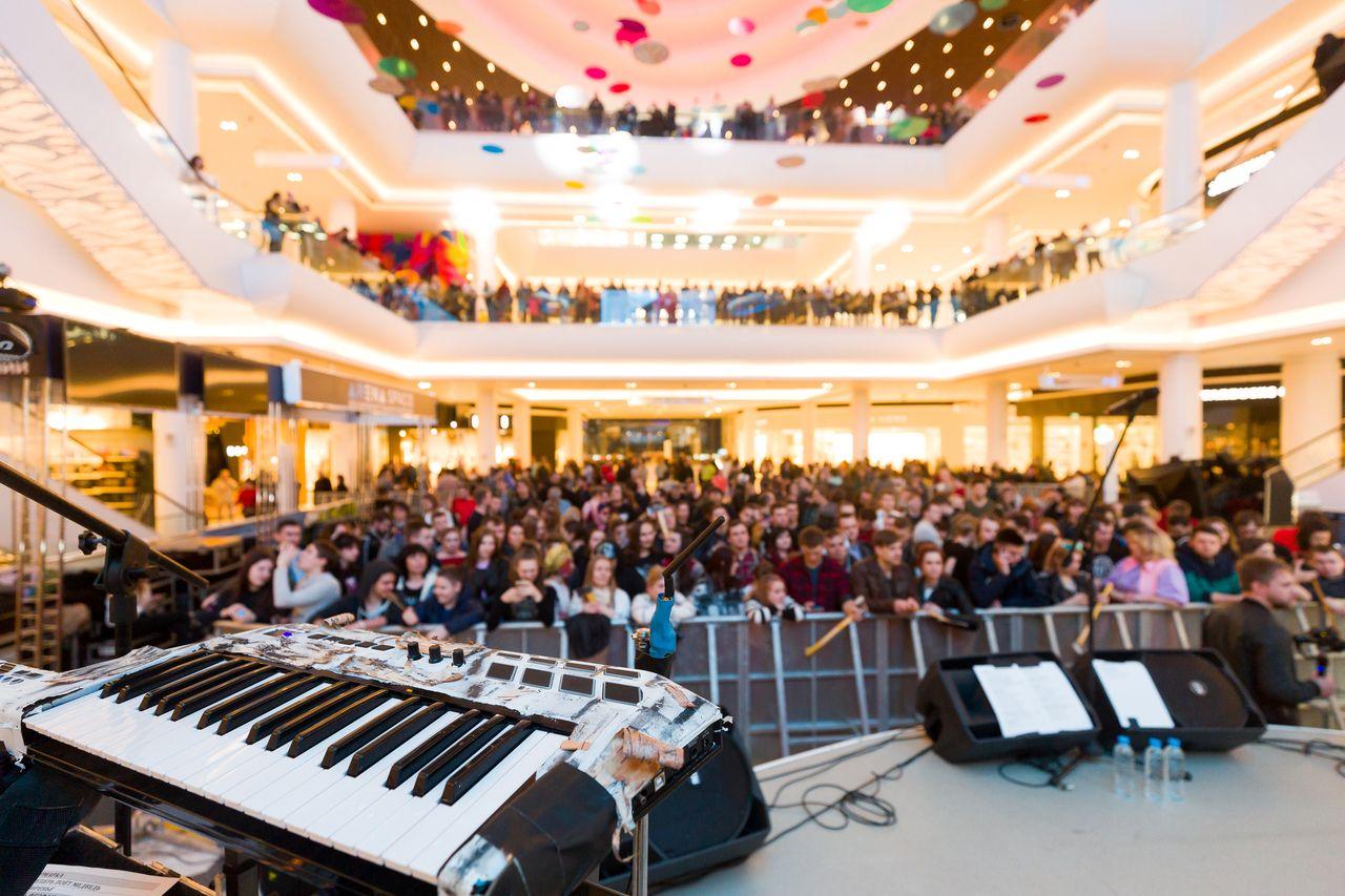 Бесплатный концерт Noize MC в ТРЦ «Ривьера» фото 3