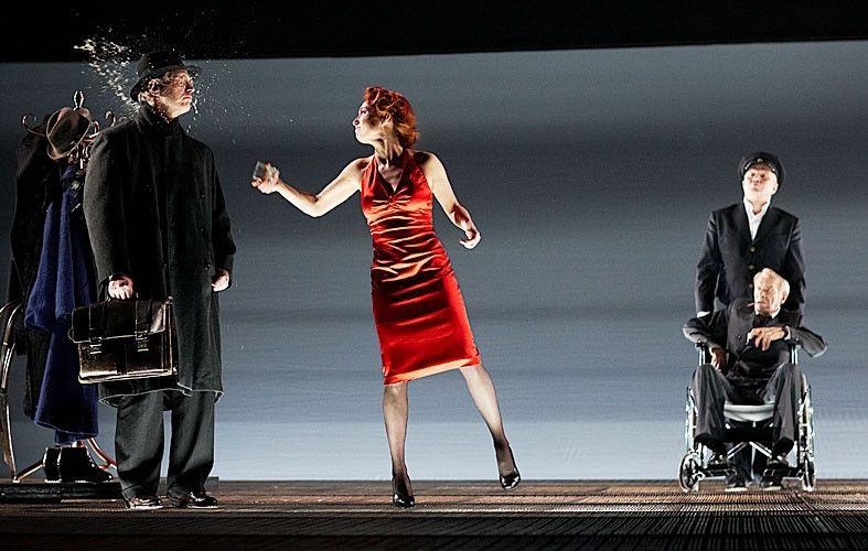 Спектакль «Враги. История любви» в Театре «Современник» фото 9