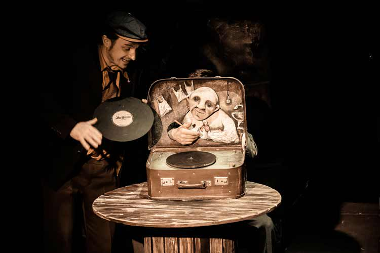 Спектакль «Жена мужа в Париж провожала» в Театре кукол С. В. Образцова фото 5