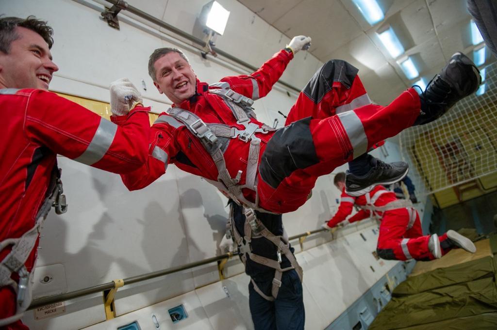 Полёт в невесомость с космонавтом фото 2