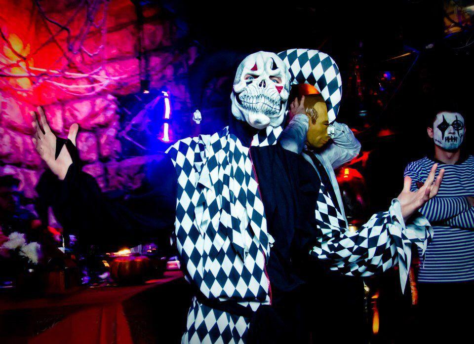 Песни в ночном клубе москва ночные клубы неон киров