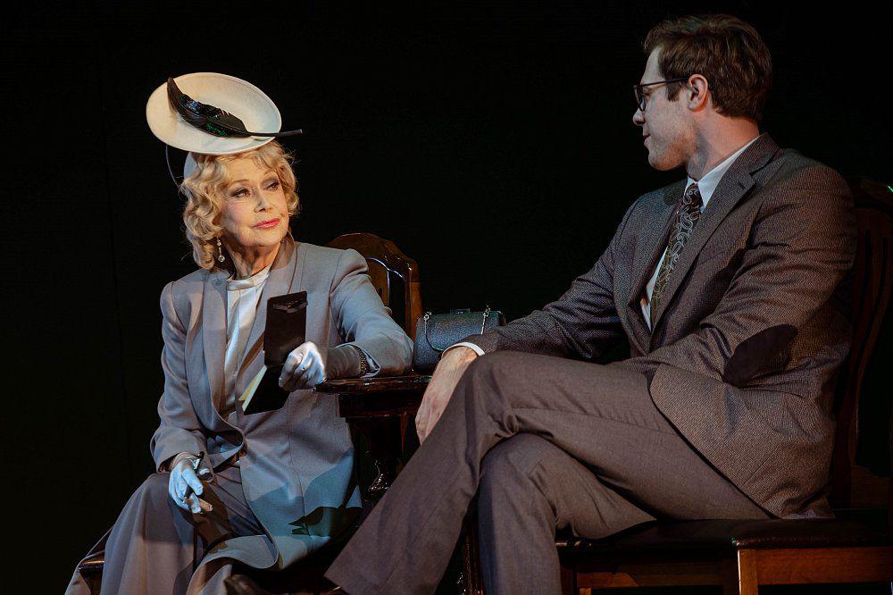 Спектакль «Как важно быть серьёзным» в Театре имени Маяковского фото 5