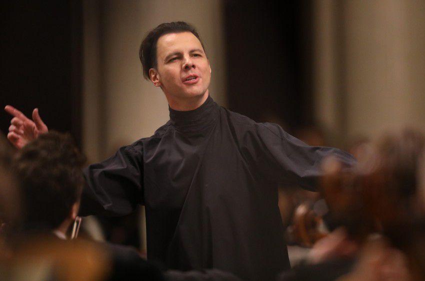 Онлайн-показ концерта «О чём рассказывает любовь?» Теодора Курентзиса и оркестра musicAeterna фото 1