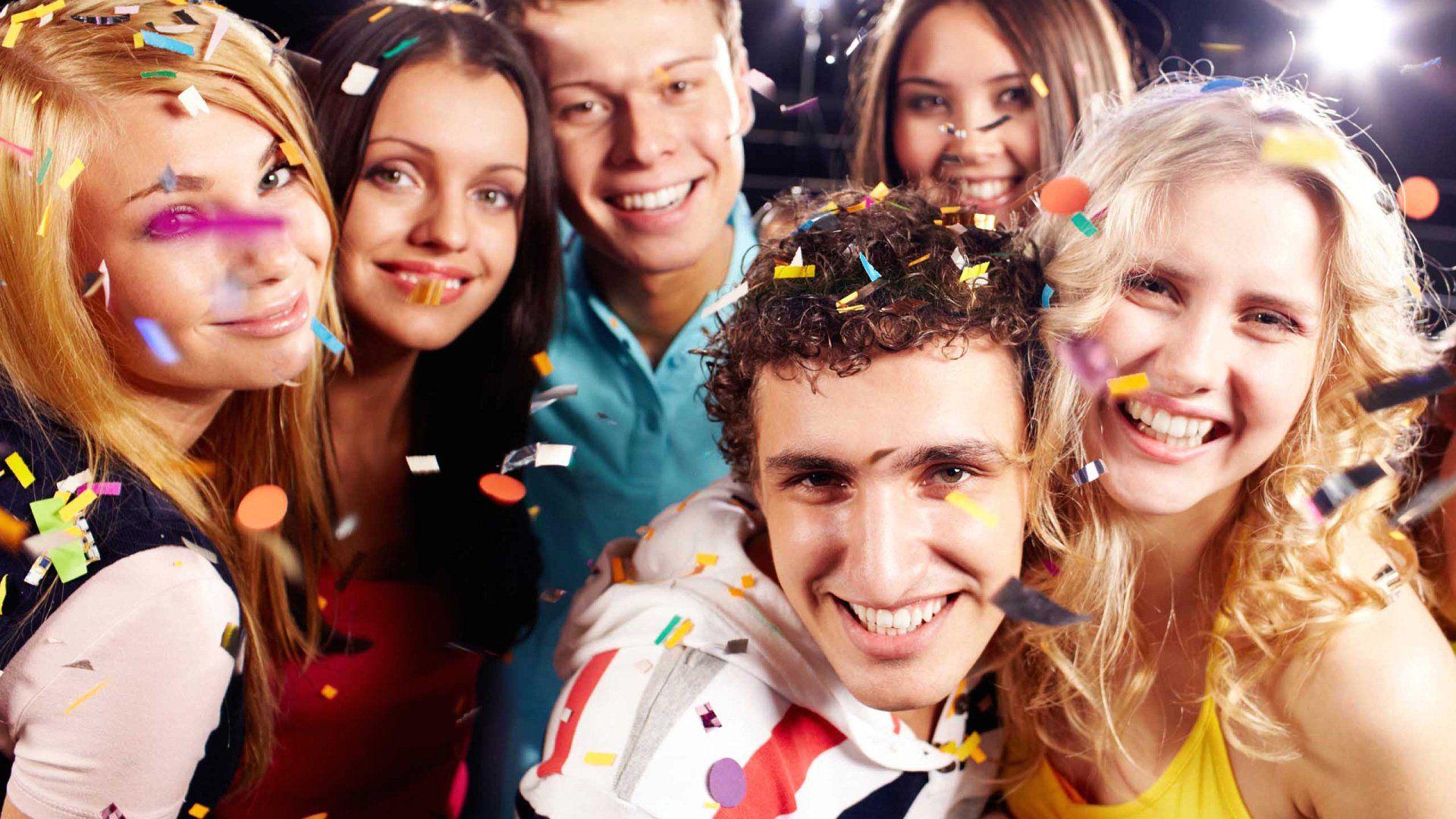 Студенты на вечеринке 25 фотография