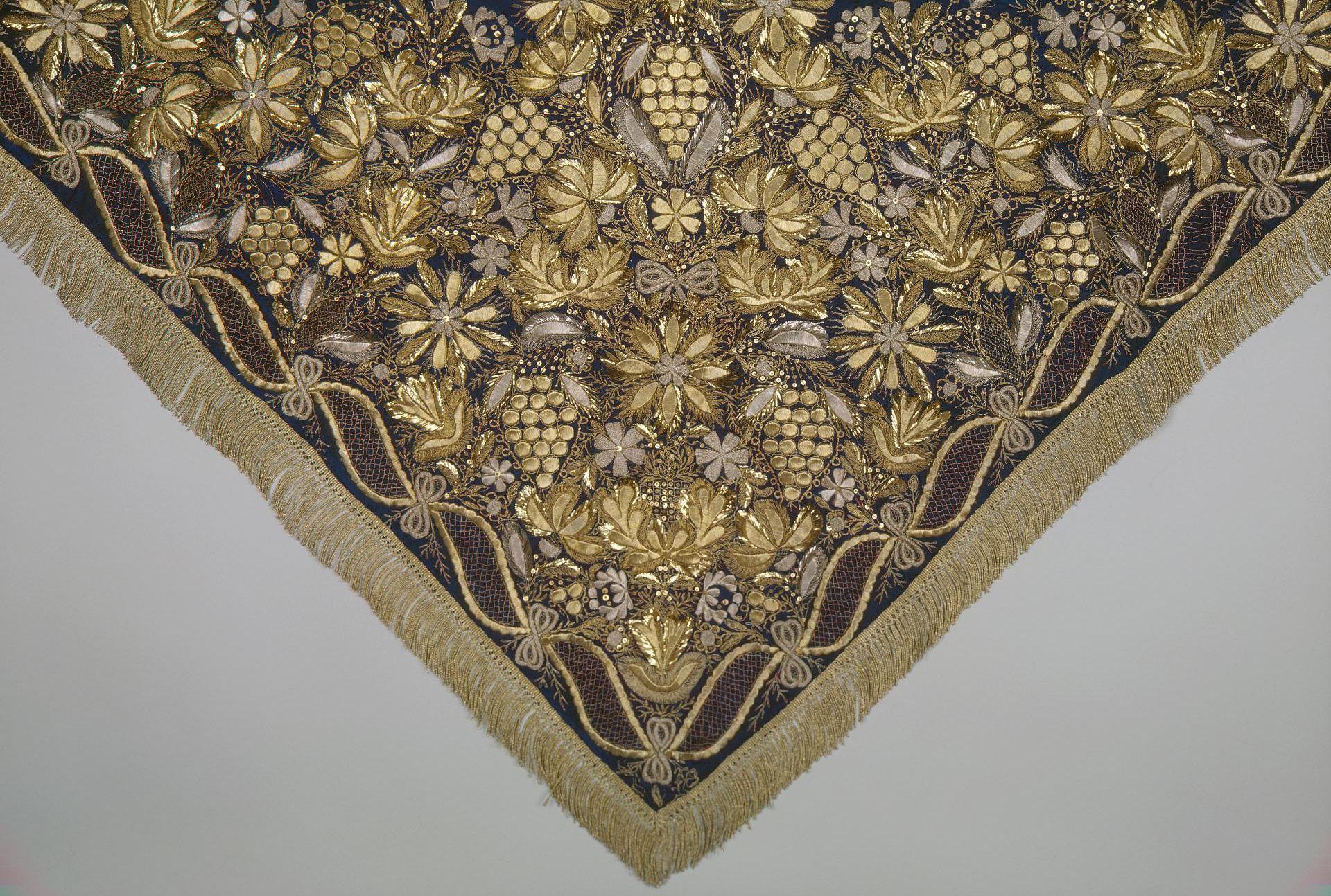 «Русские шелковые ткани» (постоянная экспозиция «Эрмитажа»)