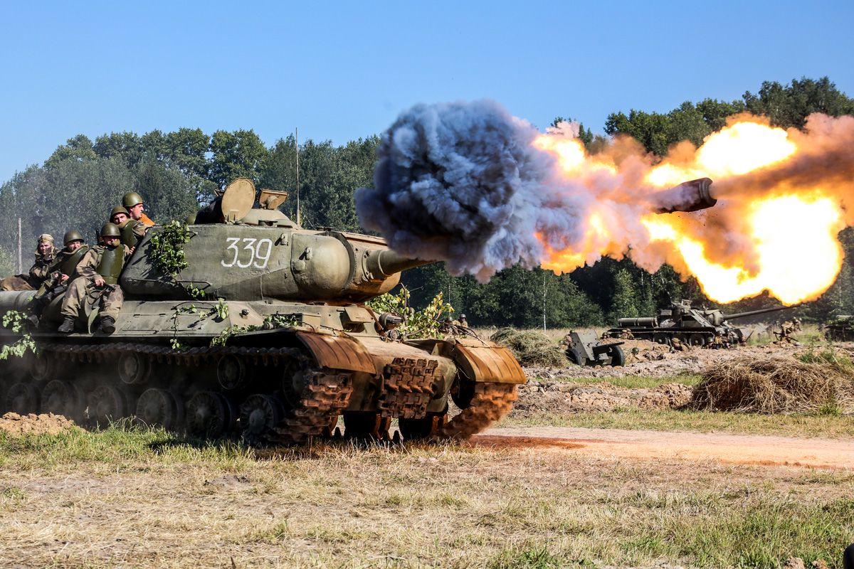 пряжа, картинка русские танки на поле боя все они