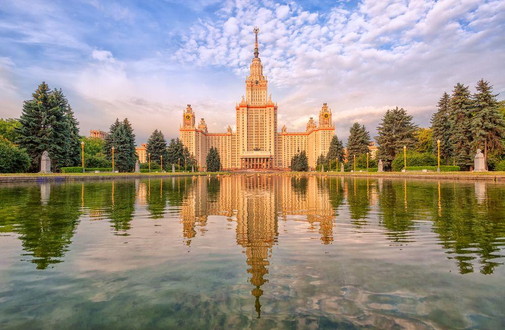 Экскурсия «Легенды и мифы сталинских высоток» фото 1