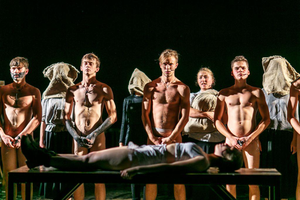 Театральная постановка с элементами порно онлайн, анкеты дешевых проституток москвы