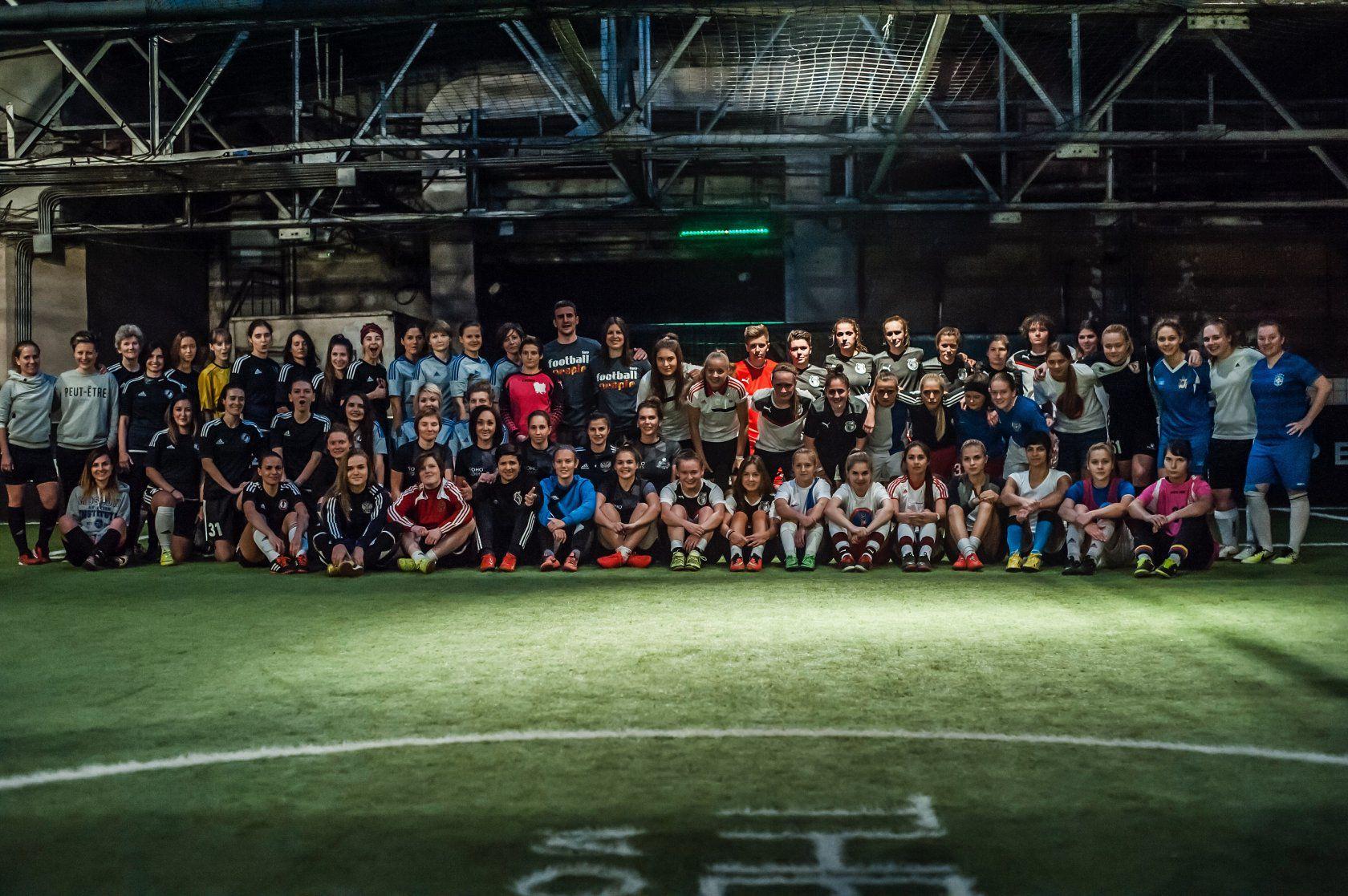 Занятия в женской школе футбола GirlPower фото 3