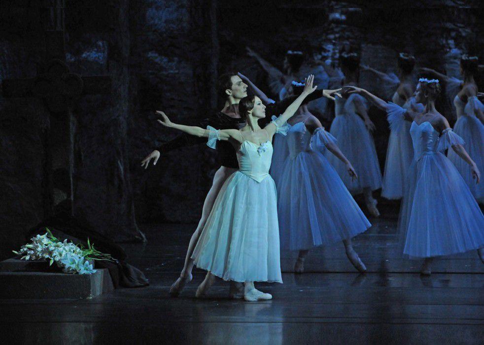 Спектакль «Жизель» в Театре имени К. С. Станиславского и Вл. И. Немировича-Данченко фото 1