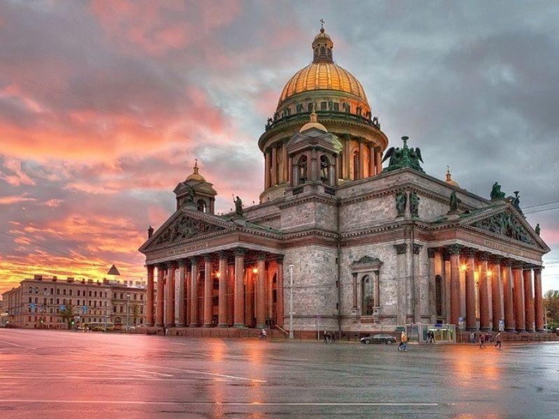 Экскурсия «Автомобильное путешествие по Санкт-Петербургу» фото 1